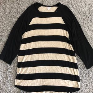 Black and tan striped 3/4 sleeve